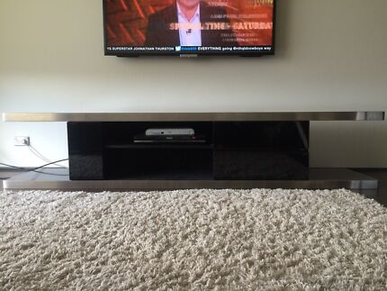 TV unit Newtown Inner Sydney Preview