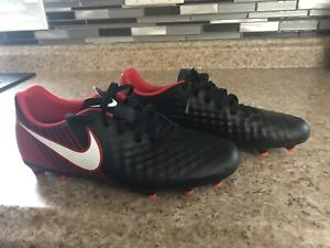 Soccer Cleats Size 8