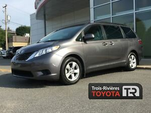 Toyota Sienna 5 portes LE 8 places assises, traction avant