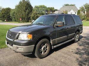 $4500 obo - Ford Expedition 4x4 XLT - Family hauler