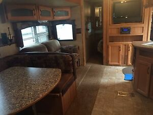 2009 travel trailer camper by Keystone