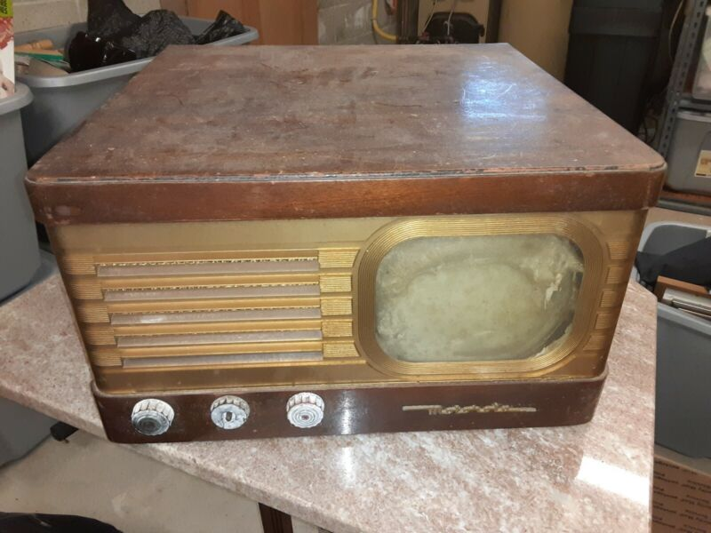 Antique Golden View 7 Inch Motorola Wooden cabinet Television VT 71M-A