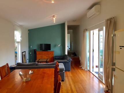 Beautiful sunny double bedroom in Leichhardt!