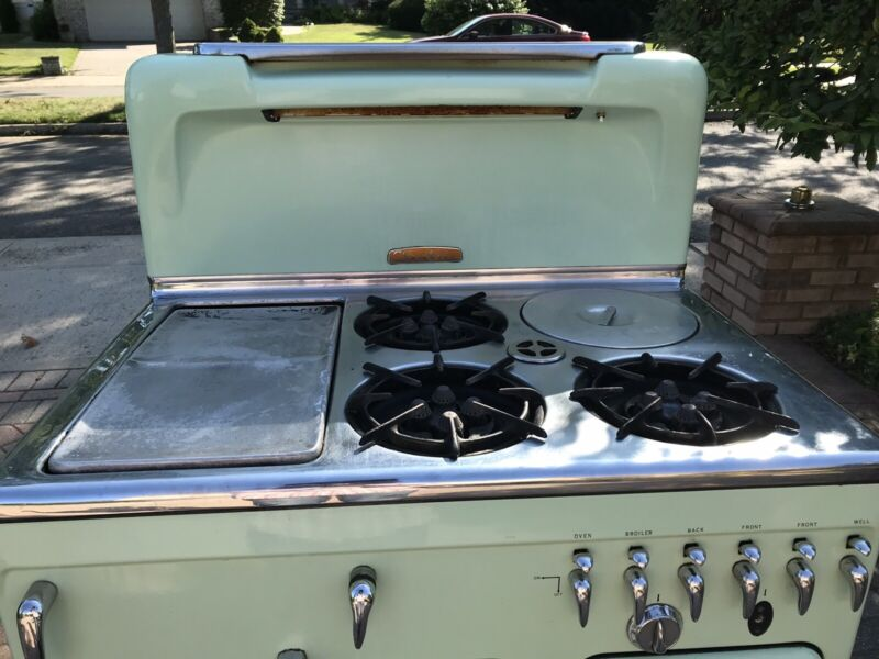 Vintage Chambers 90C lime green Gas Stove all original parts.