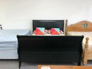 TODAY DELIVERY BEAUTIFUL BLACK WOOD Queen bed frame (mattres sale
