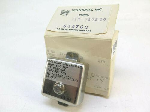 Tektronix 5 MHz TCXO Precision Frequency Standard - 119-0262-00