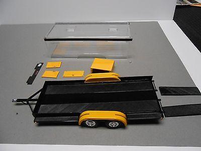 AMT REVELL MONOGRAM? SHOW DISPLAY CAR TRAILER PLASTIC MODEL KIT 1:24 PROJECT