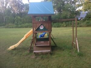 Play structure for kids aged 2-5
