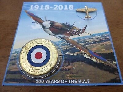 RARE gold plated RAF 40mm coin + gold colour spitfire pin badge (BOTH BRAND NEW)