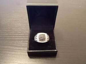 Mens White Gold & Diamond Ring Yanchep Wanneroo Area Preview