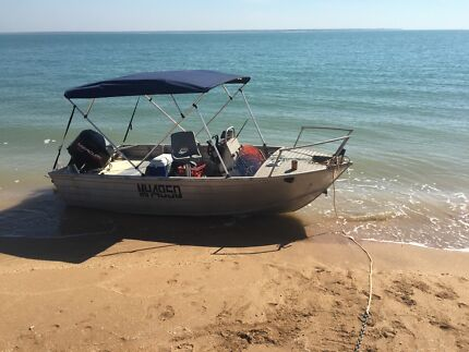 BOAT FOR SALE 4.3 TINNY WITH 40hp mercury outboard