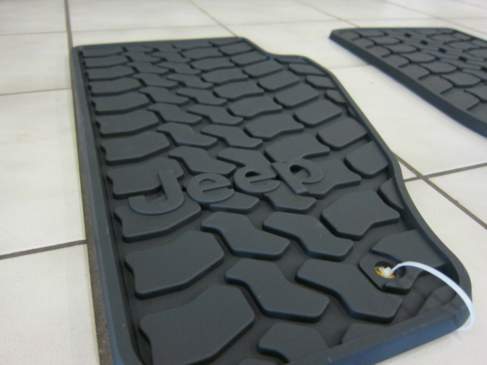 2011 Amp 2012 Jeep Liberty Rubber Slush Mats Floor Mats Set