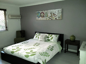 Queen bed frame Wishart Brisbane South East Preview