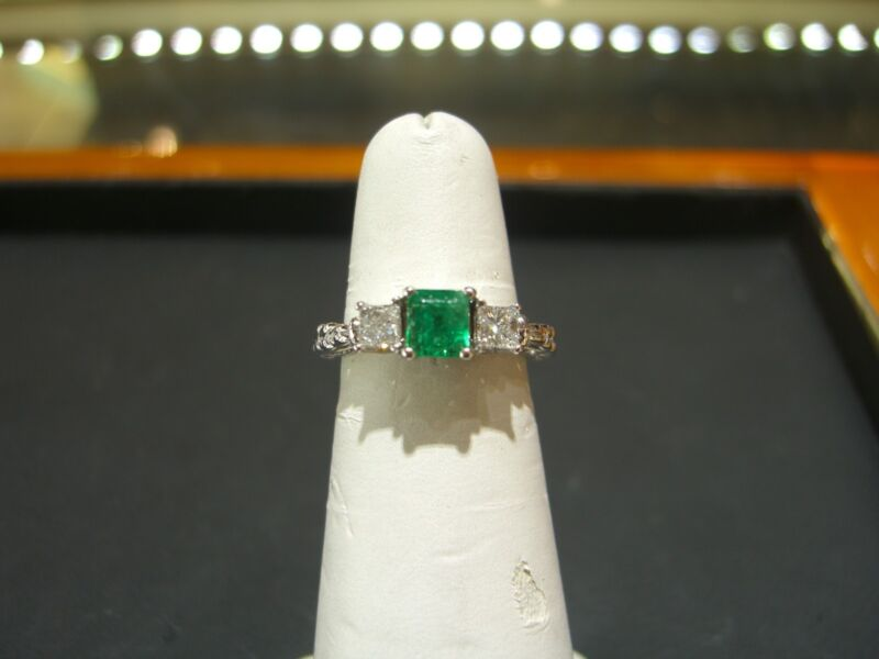 Fine Colombian Emerald And Diamond Ring 14 Karat White Gold Size 6.25 New Wow
