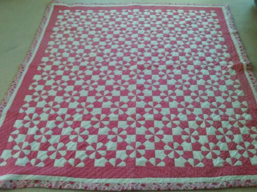 """Vintage Hand Quilted Hearts & Gizzards Quilt 70"""" x 84"""""""