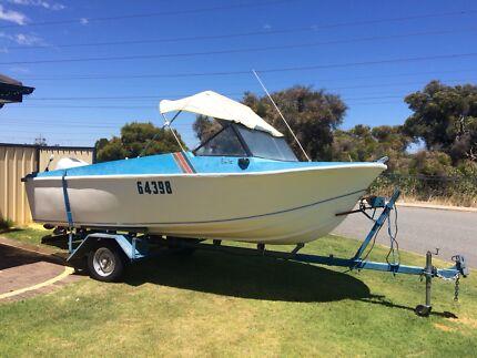 5 meter fibreglass boat $1800