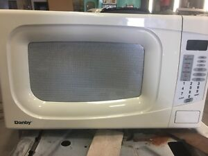 Dandy Microwave Oven DMW104W White