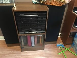Emerson record,radio,cassette player with speakers