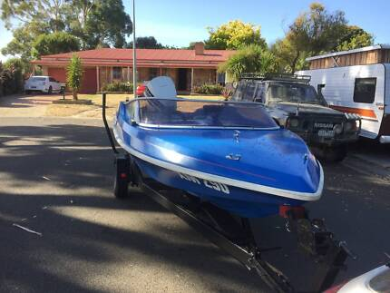 Pride Cheetah speed boat with Johnston 115hp engine