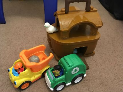 Toddler dump truck, rubbish truck and Noahs Ark