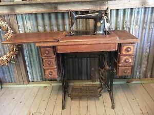 Antique vintage singer treadle sewing machine Eatons Hill Pine Rivers Area Preview