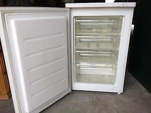 Freezer East Maitland Maitland Area Preview
