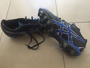 Asics football boots EURO 44 US 10 Berwick Casey Area Preview
