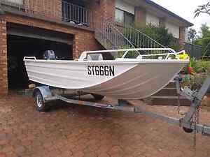 Savage boat- jabiru pro trekker 400. Bangor Sutherland Area Preview
