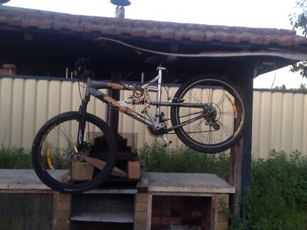 Disc brake mountain bike up for sale  Punchbowl 2196 Canterbury Area Preview