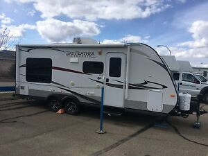 JAYCO. X 213 ( king size bed )