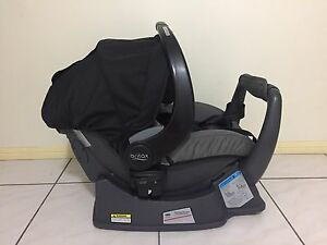 SAFE N SOUND BY BRITAX UNITY ISOFIX INFANT CARRIER BLACK Parkwood Gold Coast City Preview