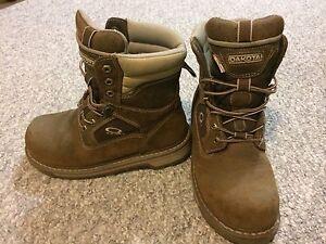 Woman's Quadcomfort steel toe boots