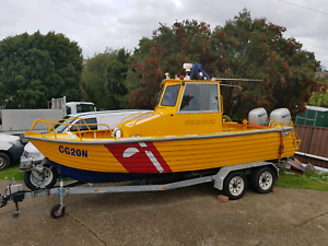 6M center console ex rescue boat twin Honda 90HP built to survey