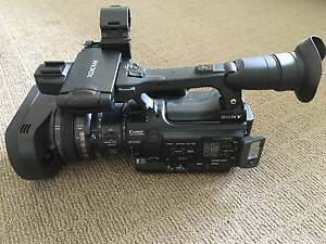 SONY PMW 200 CAMCORDER- USED ONLY ONCE Castle Hill The Hills District Preview