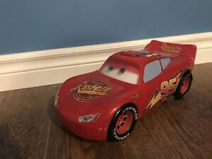 Iightning mcqueen toy car
