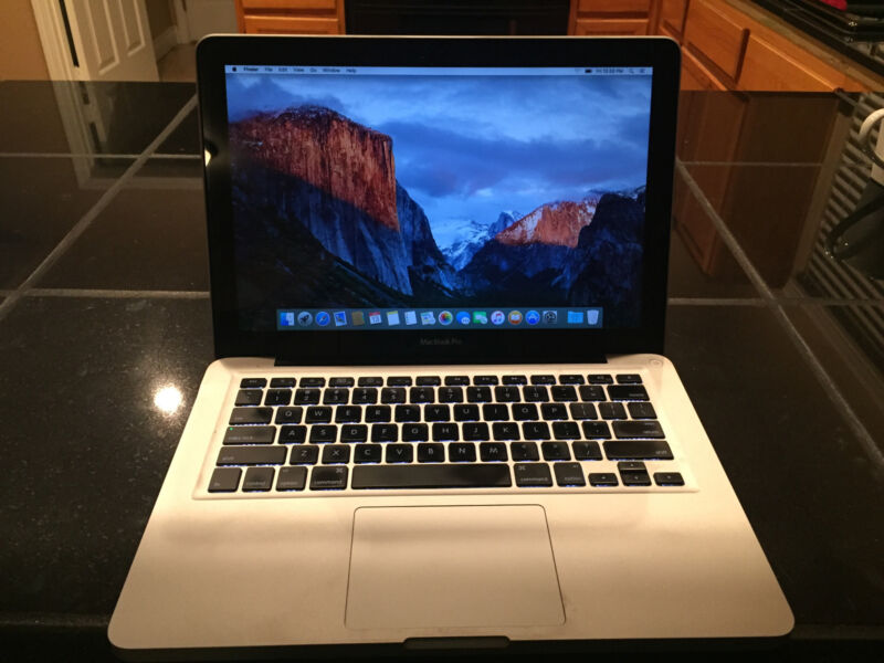 Apple MacBook Pro 13.3 Laptop (Mid-2010) Upgraded! 500 GB