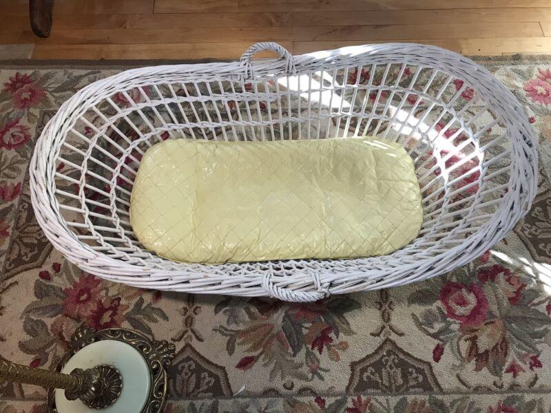 "Antique White Wicker Baby Carrier Bassinet Cradle Crib 35"" X 18"" X 15"""