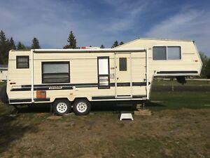 ❇️-1986 Glendette 25 foot camper trailer-❇️