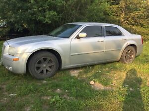 I'm Looking for 2005 Chrysler 300 parts car