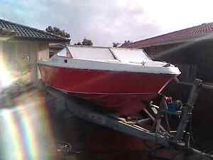 18 ft MUSTANG BOAT - HONDA 115 OUTBOARD Eden Hill Bassendean Area Preview