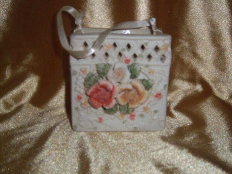 """NIB"" International Bazaar  BEAUTIFUL  Porcelain Floral Bag"