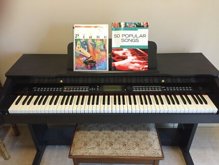 Piano sized Melodic Keyboard **HARDLY USED** Jerrabomberra Queanbeyan Area Preview