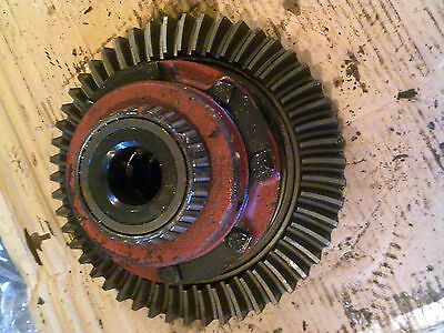 Farmall 504 Utility Tractor Rearend Transmission Main Pinion Drive Gear Assembly