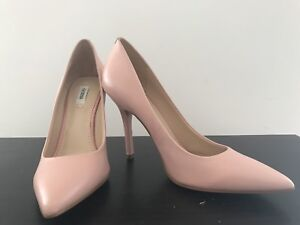 Peach GUESS stiletto heals size 7