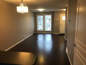 Beautiful 3Bedroom Townhouse MOVE IN READY For the New YEAR!