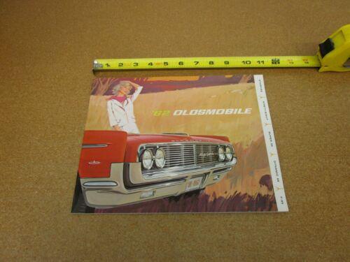 1962 Oldsmobile 98 Super Dynamic 88 Starfire F85 sales brochure 30 pg ORIGINAL