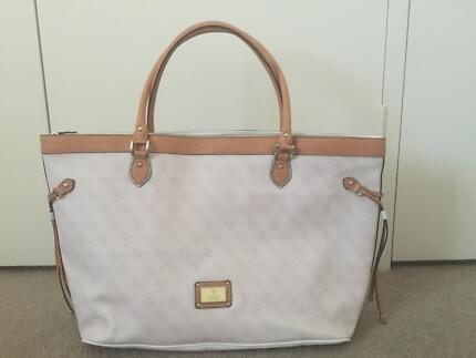 Guess Classic Tote Large Shopper Nappy Bag *Used Once* RRP $149 Salter Point South Perth Area Preview