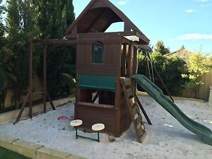Outdoor swing and cubby playground Canning Vale Canning Area Preview