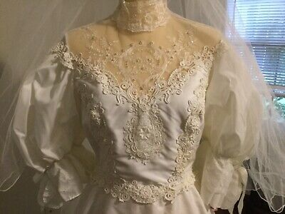 Vintage Alfred Angelo White Wedding Lace Beaded Dress with Veil Size 12