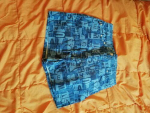 Short miss sandra taille 38/40 bleu